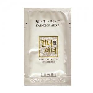 Питательный кондиционер для ослабленных волос Daenggimeori Herbal Nutrition Conditioner 10ml*10ea