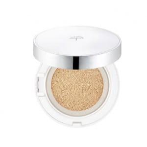 Тональное средство для жирной и комбинированной кожи The Face Shop Oil control water cushion SPF50+PA+++.