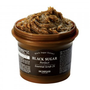 Скраб для лица с черным сахаром Skinfood Black sugar perfect essential scrub 2X 210g