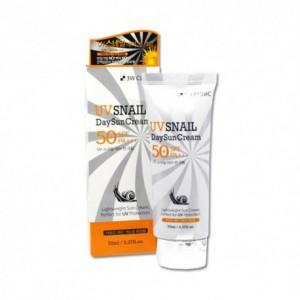 Солнцезащитный крем с фильтратом муцина улитки 3w Clinic UV snail day sun cream spf 50+/pa+++ 70ml