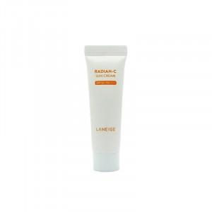 Увлажняющий крем-основа Belif Moisture bomb cushion miniature SPF50 #Light beige