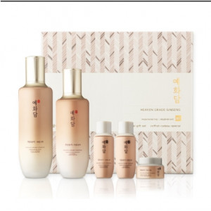 THE FACE SHOP Yehwadam Heaven Grade Ginseng Special Set 155ml+140ml+32ml+32ml+10ml